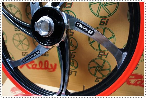 """ล้อแม๊ก Racing68 FINO / SCOOPY 17"""" (Daiichi Racing68)"""