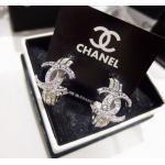 Premium Quality!!!! Chanel Earring งาน Hi-End ค่ะ รุ่นชนช็อป งานเพชรชวารอฟสกี้แท้ งานสวยฟรุ้งฟริ้งมากๆๆๆ ตัวเรือนสีเงินชุบ 18KGP สินค้า Made in Korea ราคา 1390฿
