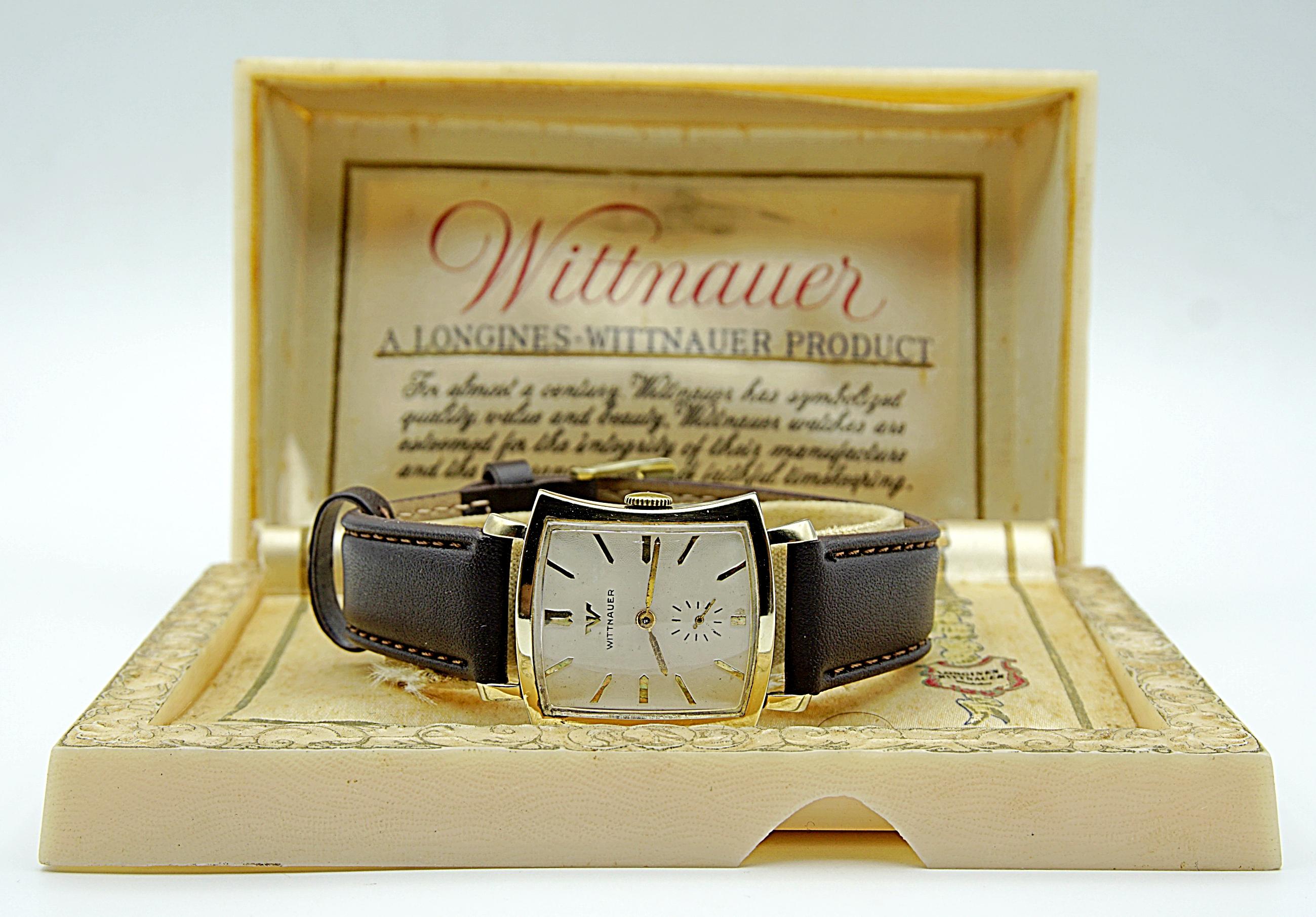 นาฬิกาเก่า WITTNAUER BY LONGINES ไขลานสองเข็มครึ่ง พร้อมกล่อง