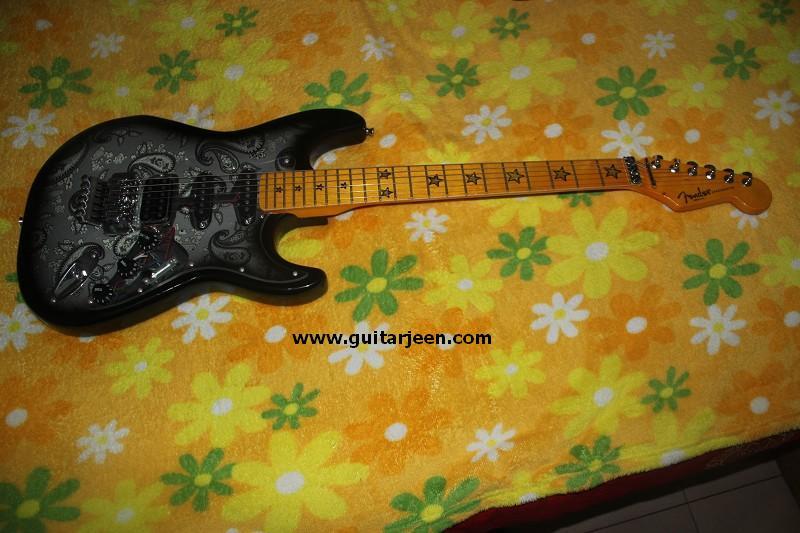 กีต้าร์ไฟฟ้า Fender Richie Sambora รุ่น limited edition