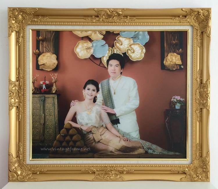 กรอบรูปใส่ภาพชุดไทย