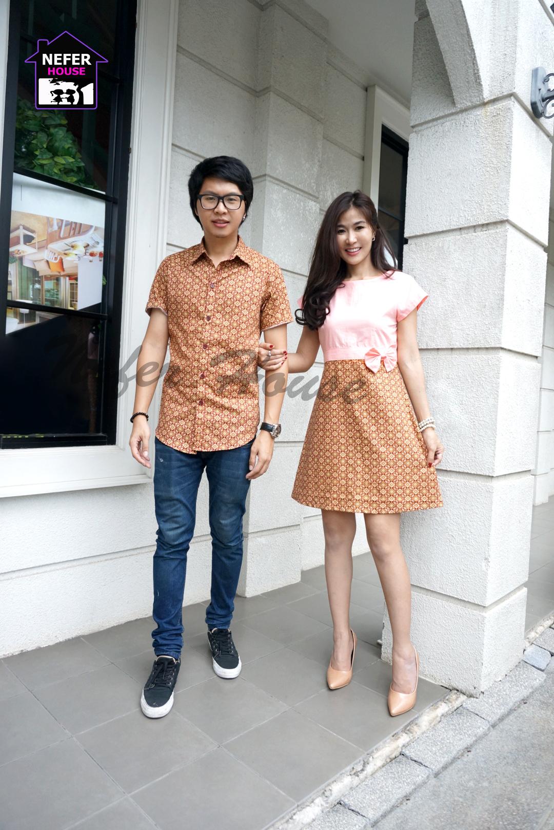 ชุดคู่รักผ้าลายไทยแฟชั่นร่วมสมัย