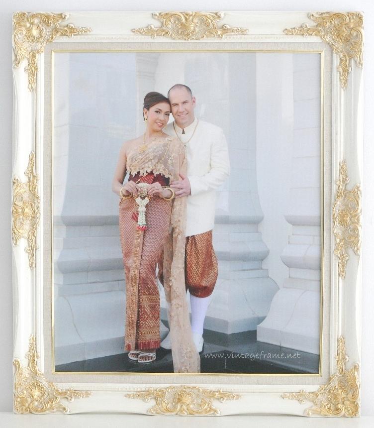 กรอบรูปใส่ภาพแต่งงานชุดไทย