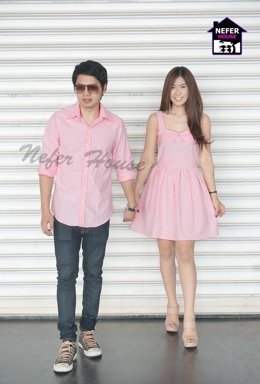 เสื้อคู่รักแฟชั่นโทนสีชมพูโอรสจุดสีขาว