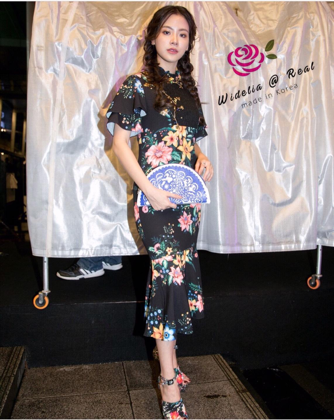 Dress เดรสแขนสั้น เนื้อผ้าพิมพ์ลายทั้งตัว สีสันลวดลายสวยและเป๊ะมาก