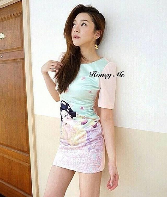 Brand: Kayasis Dress แขนสั้นสกรีนลาย japan style แขนสั้นช่วงแขนเปนผ้าพื้นสีโอรสคร้า
