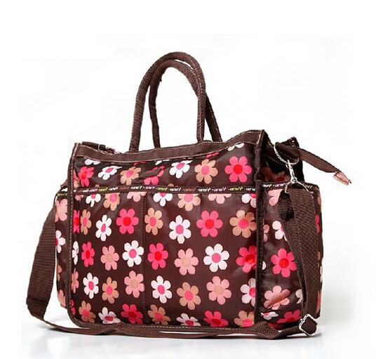 กระเป๋าคุณแม่ Carter's
