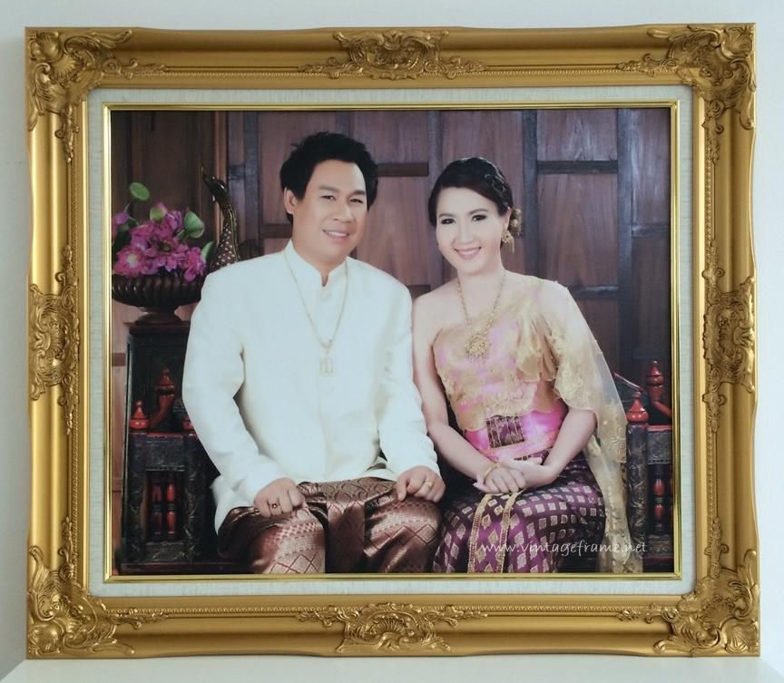 กรอบรูปชุดไทย
