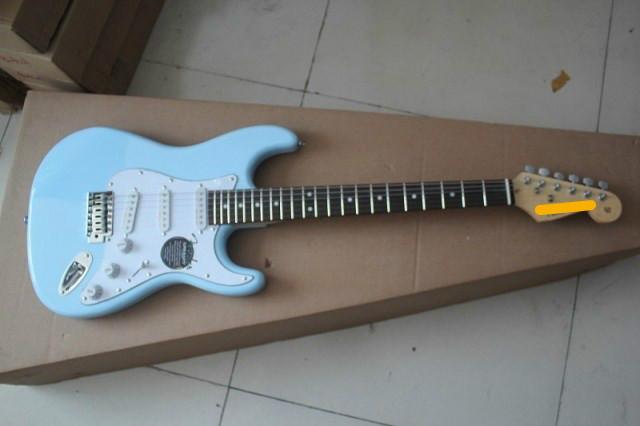 กีต้าร์ไฟฟ้า Fender ST