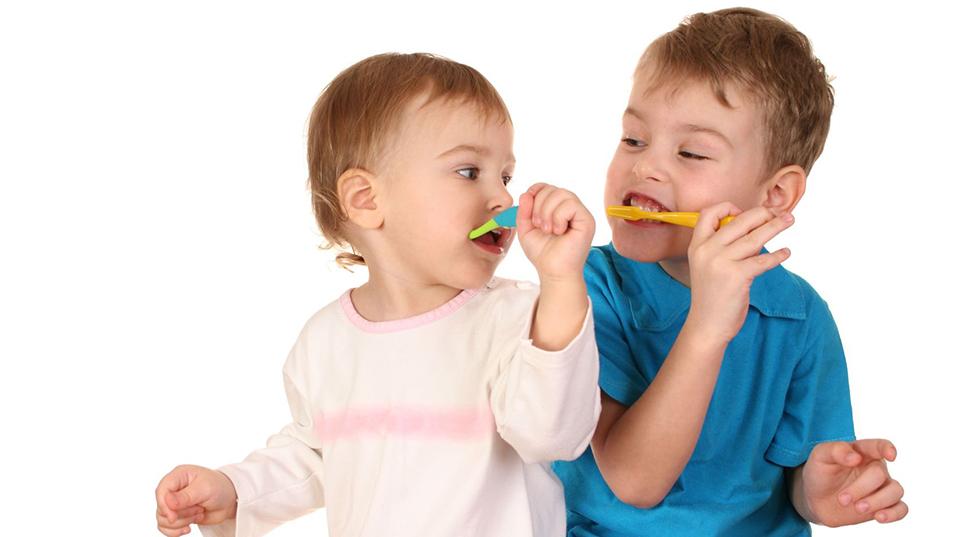 ผลการค้นหารูปภาพสำหรับ แปรงฟันเด็ก