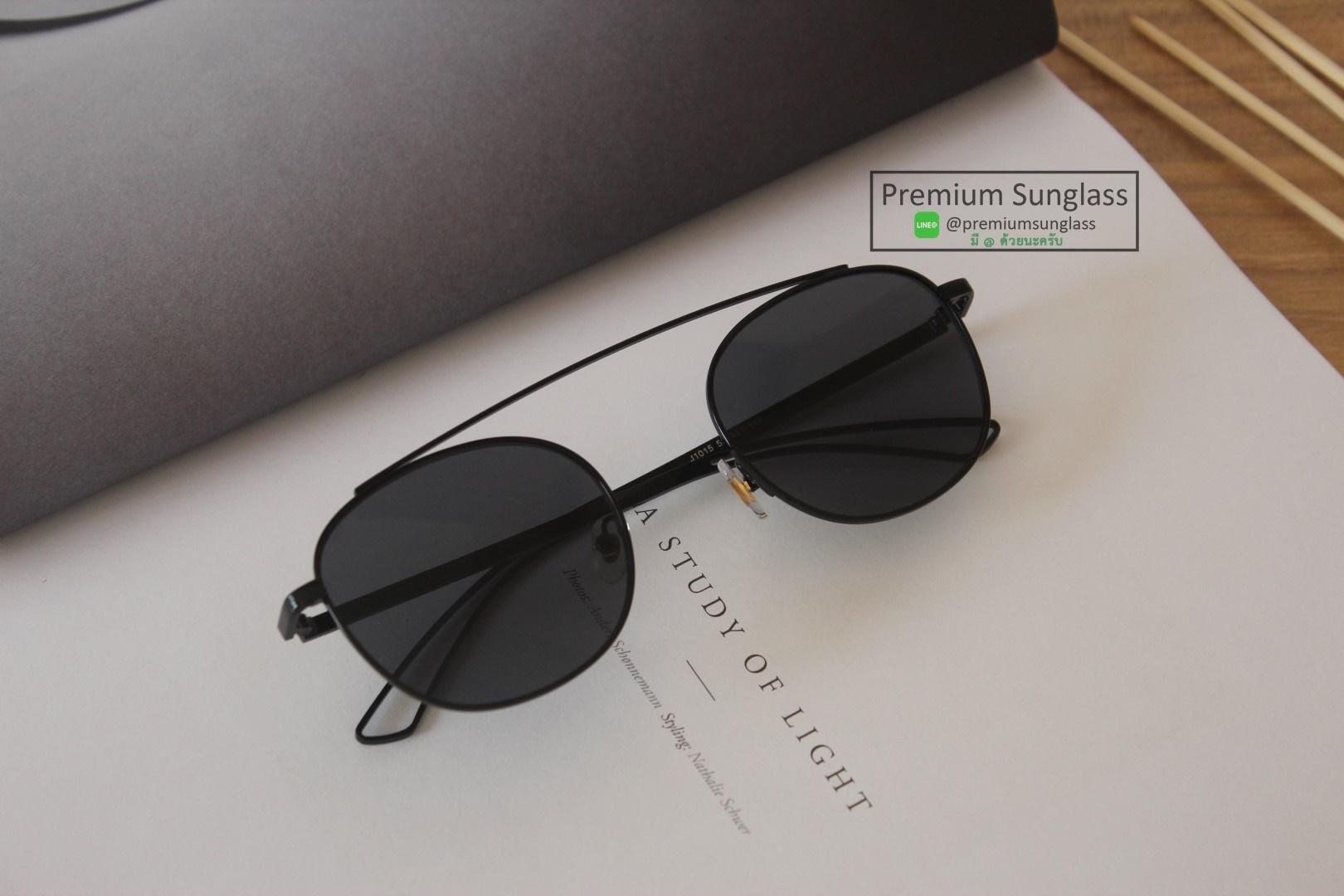 แว่นกันแดดแฟชั่น รุ่น Bridgeless All Black