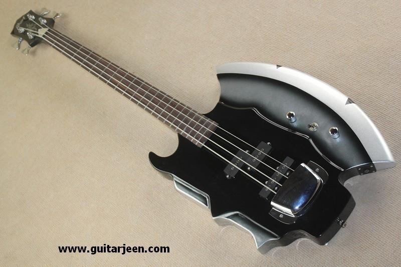 เบสไฟฟ้าทรงขวาน Aex Bass GENE SIMMONS จากวง Kiss By Cort