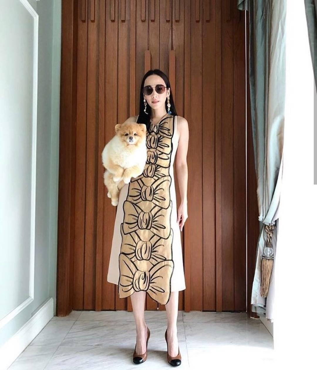 Dressทรงยาวเเขนกุดสีครีมทองอร่าม