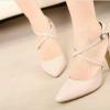 รองเท้า ส้นสูงน้อย สายไคว่่ ตัวลอคสายสามารถปรับสั้น - ยาวได้ตามระดับข้อเท้าส้นสูงน้อยใส่สบายมากคะ