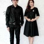 ชุดคู่รักสีดำ เสื้อเชิ๊ตผู้ชายแขนยาว กับเดรสผู้หญิงมีแขน