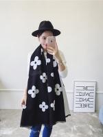 ผ้าพันคอ แคชเมียร์ Cashmere ลาย ดอกไม้ ขาว ดำ CM02003-1