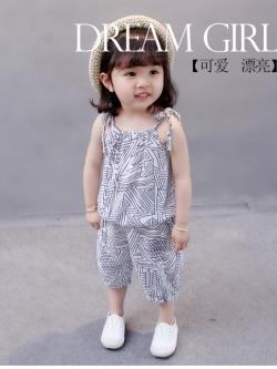 ชุดเสื้อสายผูก กางเกงจั๊มขา ลายกราฟฟิก 838-0501