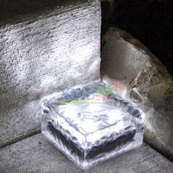 ก้อนน้ำเเข็งโซล่าเซลล์ 4 LED (เเสง : ขาว)