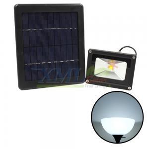 3 Watt solar flood light with solar pane