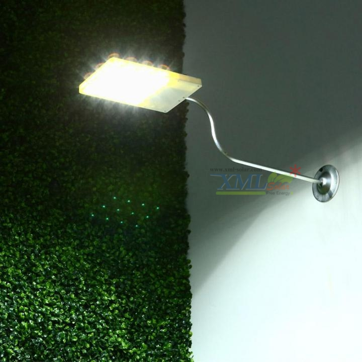 โคมไฟโซล่าเซลล์ ติดผนัง 12 LED (พร้อมขายึด) (เเสง : ขาว)