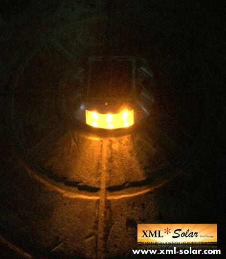ไฟหมุดถนนโซล่าเซลล์ 6 LED (เเสง : เหลืองกระพริบ)
