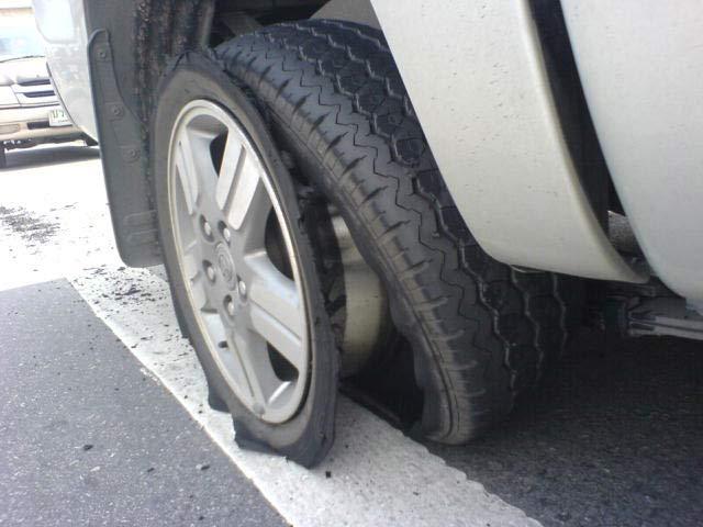 ยางรถ,ยางรถยนต์มือสอง,ยางลมรถยนต์,วิธีการขับรถ,การขับรถยนต์,ยางมือสอง,ยาง,คนขับรถ,วิธีขับรถยนต์,ยางระเบิด