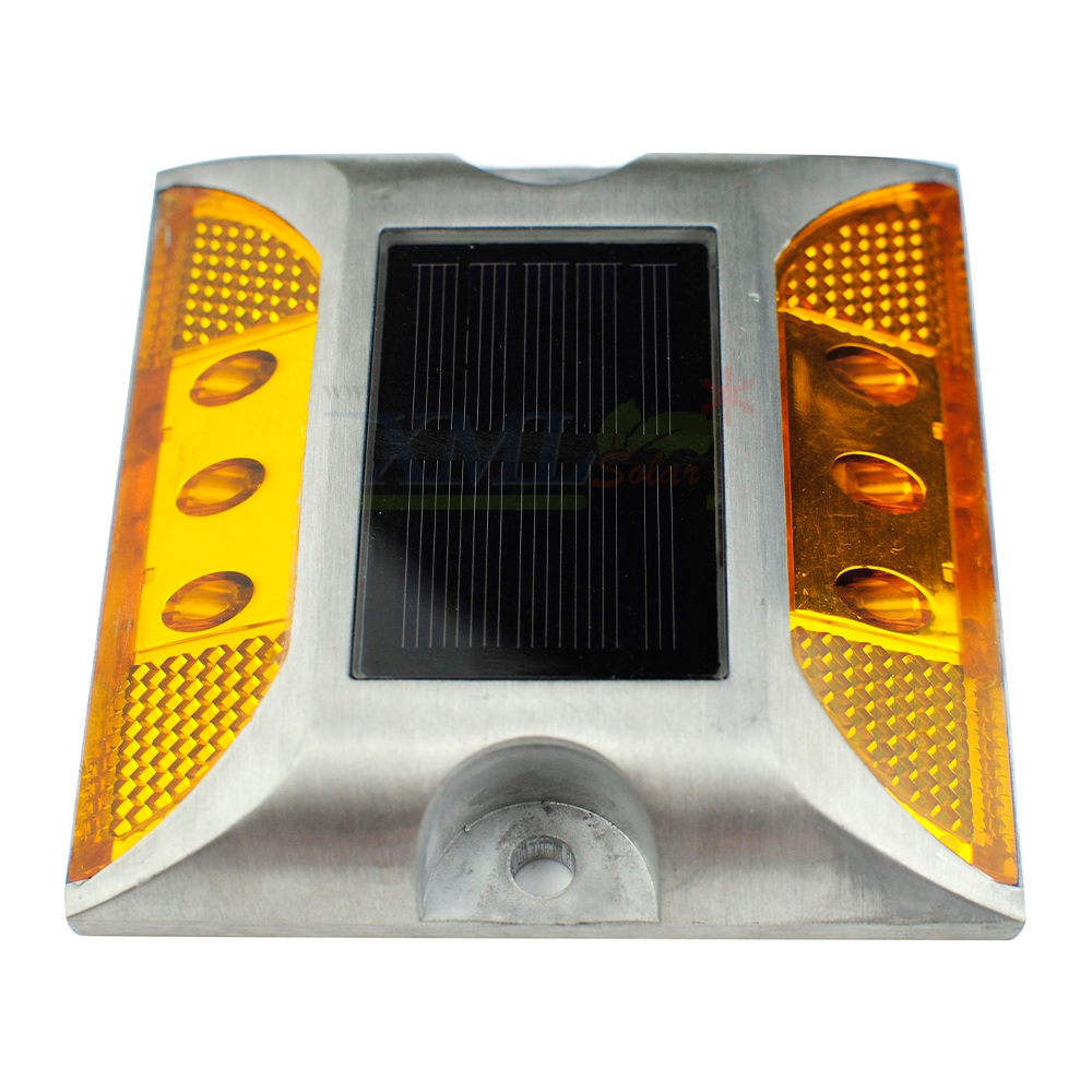 ไฟหมุดถนนโซล่าเซลล์ 6 LED รุ่น เเบน (เเสง : เหลืองกระพริบ)