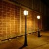โคมไฟสนามโซล่าเซลล์ 2,000 lumens (แสง:เหลืองวอมไวท์)