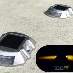 ไฟหมุดถนนโซล่าเซลล์ 6 LED รุ่น Robot (เเสง : เหลืองกระพริบ)